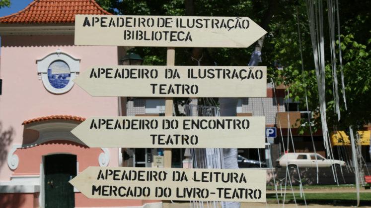 Há diversos apeadeiros no Jardim da Várzea